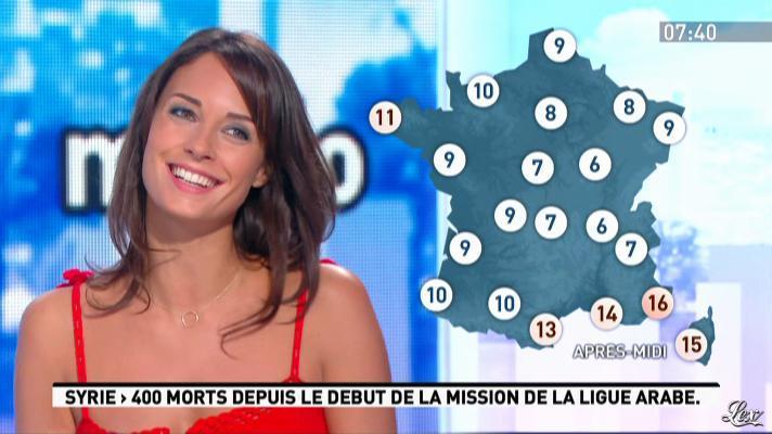 Julia Vignali dans la Matinale. Diffusé à la télévision le 11/01/12.