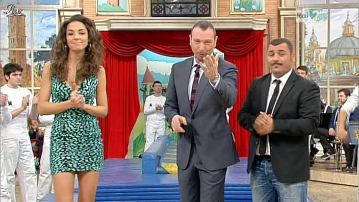 Laura Barriales dans Mezzogiorno in Famiglia. Diffusé à la télévision le 10/03/12.