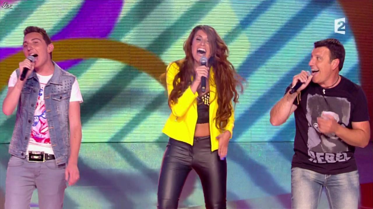 Adrianne dans un Air de Famille. Diffusé à la télévision le 14/09/13.
