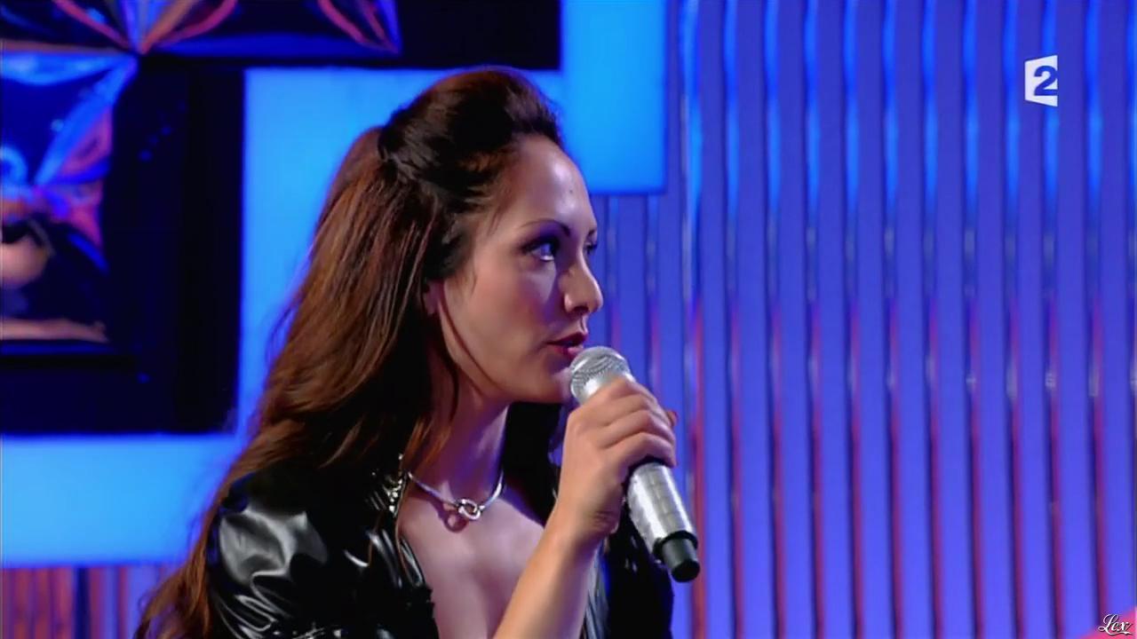 Alice dans n'Oubliez pas les Paroles. Diffusé à la télévision le 12/08/15.