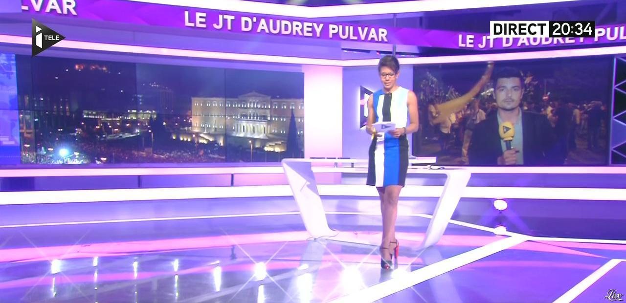 Audrey Pulvar dans le JT. Diffusé à la télévision le 29/06/15.