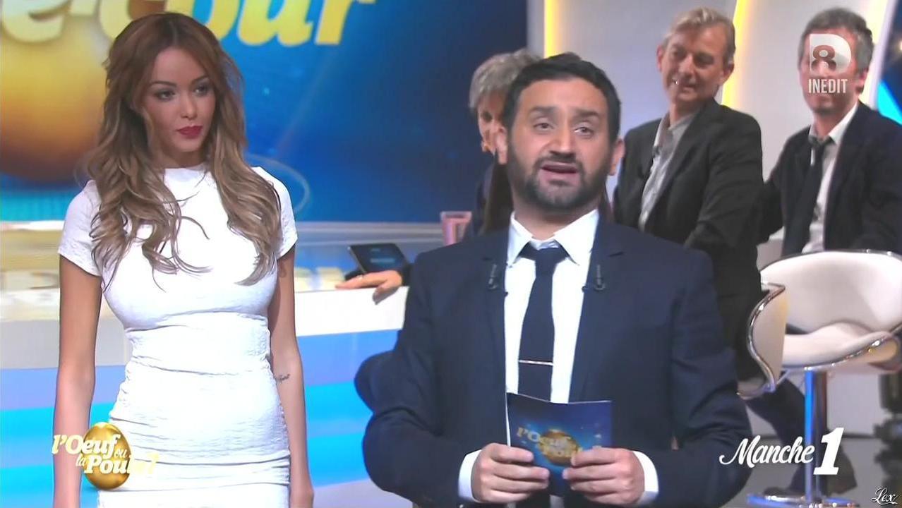 Nabilla Benattia dans l'Oeuf ou la Poule. Diffusé à la télévision le 09/04/15.