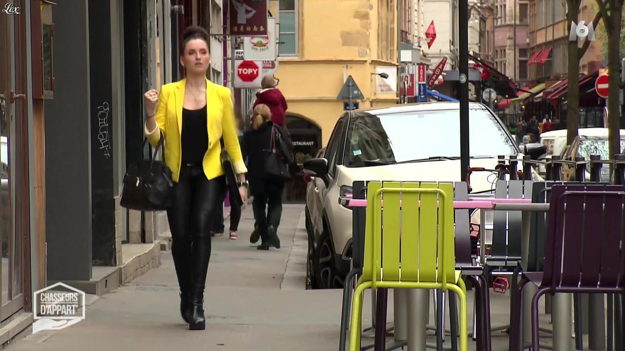 Julie dans Chasseurs d'Appart. Diffusé à la télévision le 17/08/16.