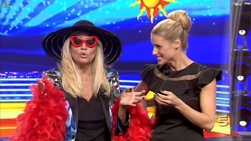Michelle Hunziker dans Striscia la Notizia. Diffusé à la télévision le 25/09/15.