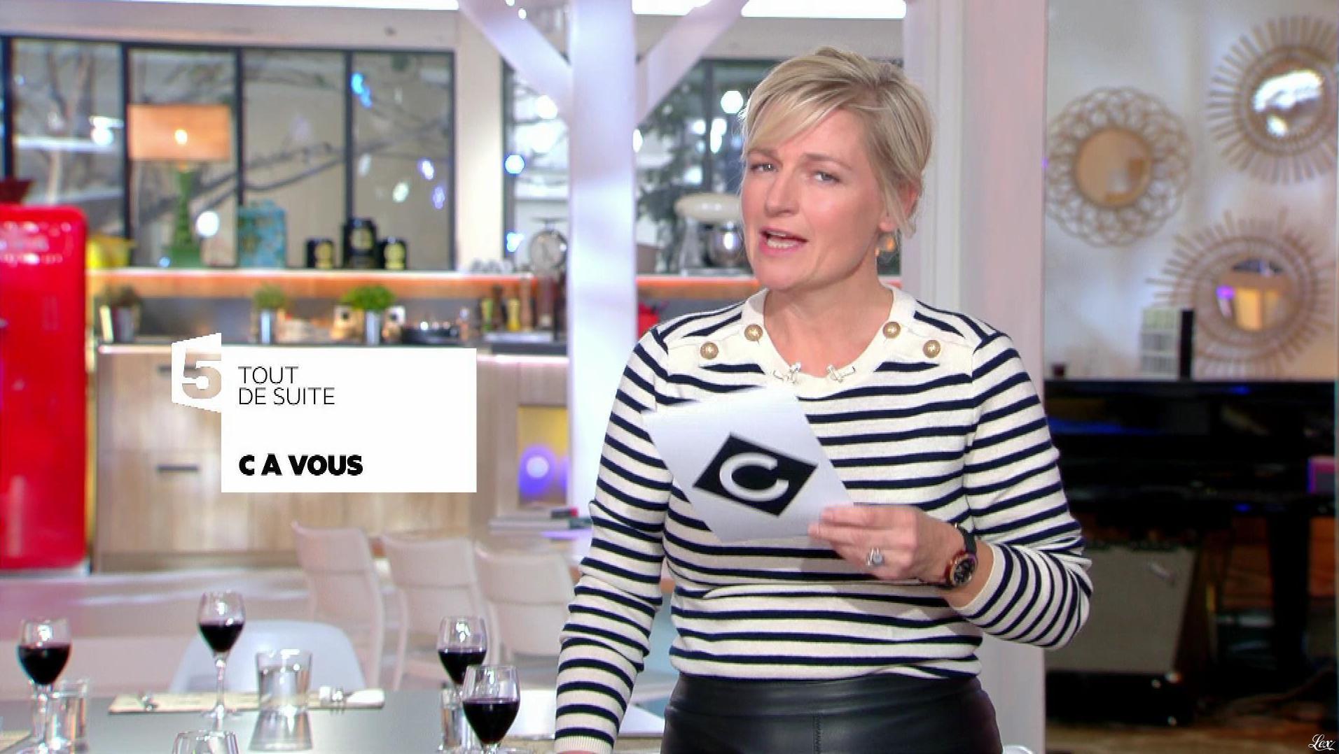 Anne-Elisabeth Lemoine dans C à Vous. Diffusé à la télévision le 13/10/17.