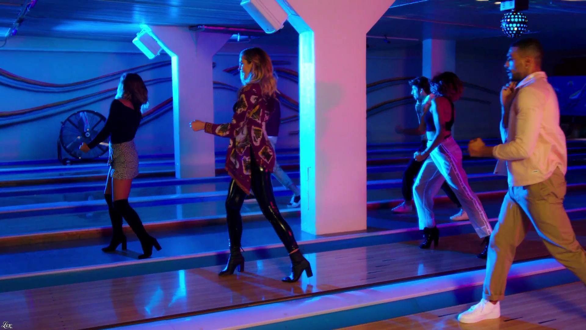 Camille Lou dans Spacer. Diffusé à la télévision le 17/10/17.