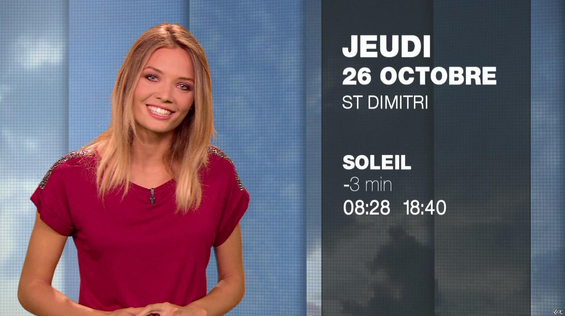 Gennifer Demey à la Météo du Soir. Diffusé à la télévision le 25/10/17.