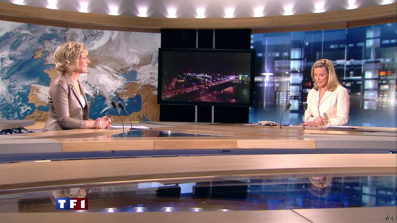 Evelyne Dhéliat et Laurence Ferrari à la Météo 20h. Diffusé à la télévision le 03/03/11.
