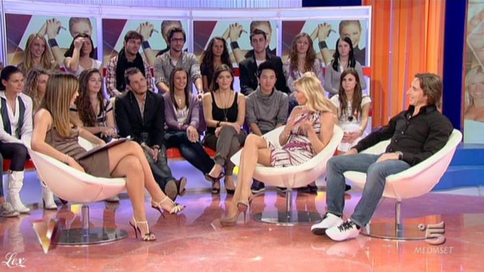 Silvia Toffanin et FederiÇa Panicucci dans Verissimo. Diffusé à la télévision le 23/10/10.