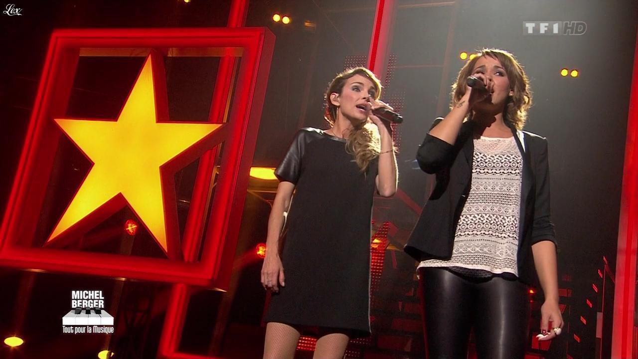 Chimène Badi et Claire Keim dans Michel Berger Tout Pour la Musique. Diffusé à la télévision le 08/06/12.