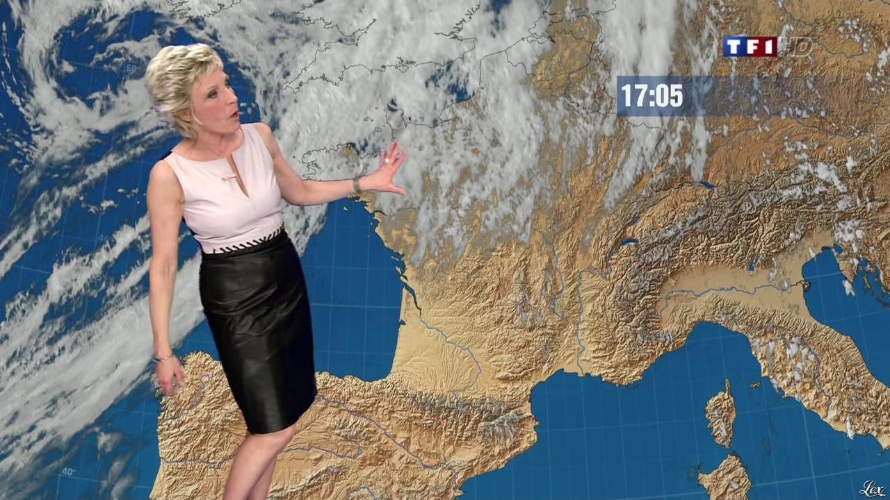 Evelyne Dhéliat à la Météo de 20h. Diffusé à la télévision le 12/06/13.