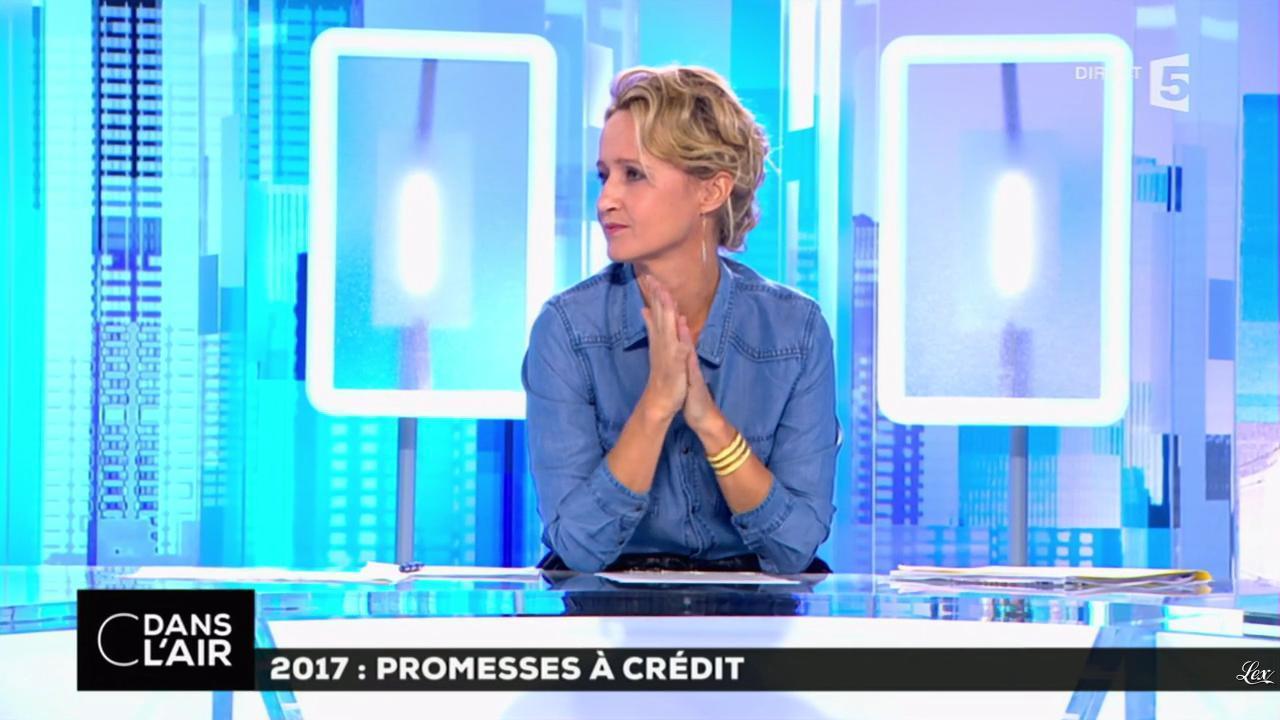 Caroline Roux dans C dans l'Air. Diffusé à la télévision le 22/09/16.