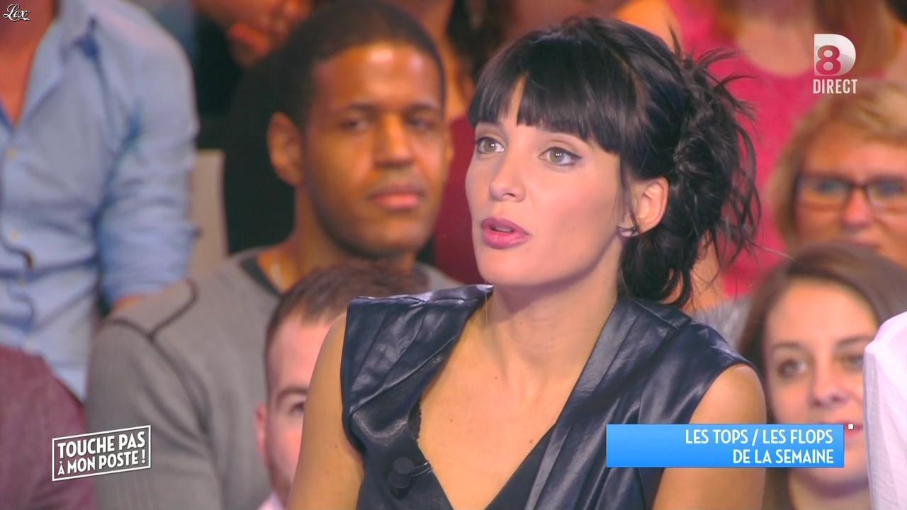 Erika Moulet dans Touche pas à mon Poste. Diffusé à la télévision le 06/11/15.