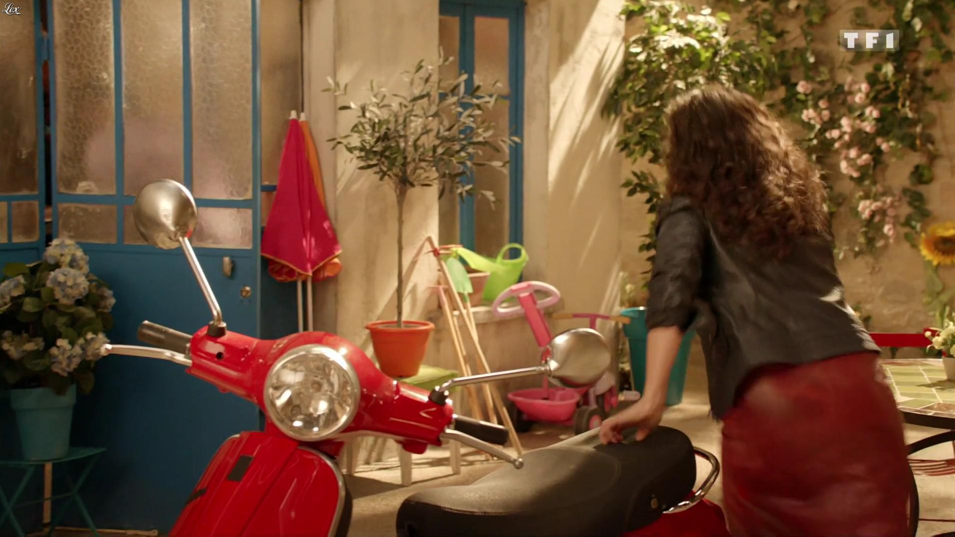Isabelle Vitari dans Nos Chers Voisins. Diffusé à la télévision le 17/09/16.