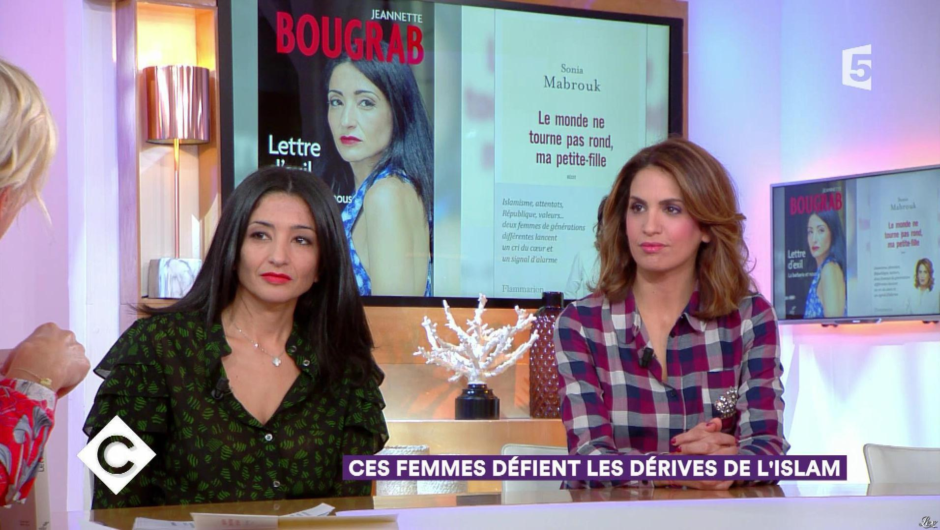 Sonia Mabrouk dans C à Vous. Diffusé à la télévision le 29/09/17.