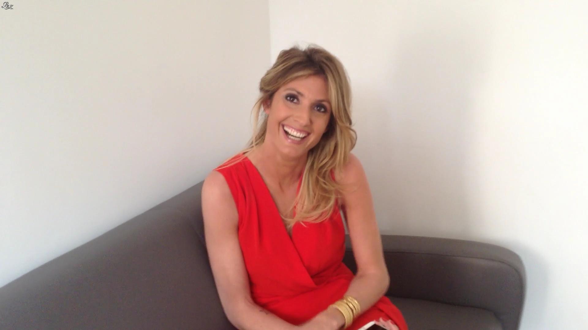 Caroline Ithurbide dans Touche pas à mon Poste. Diffusé à la télévision le 21/04/17.