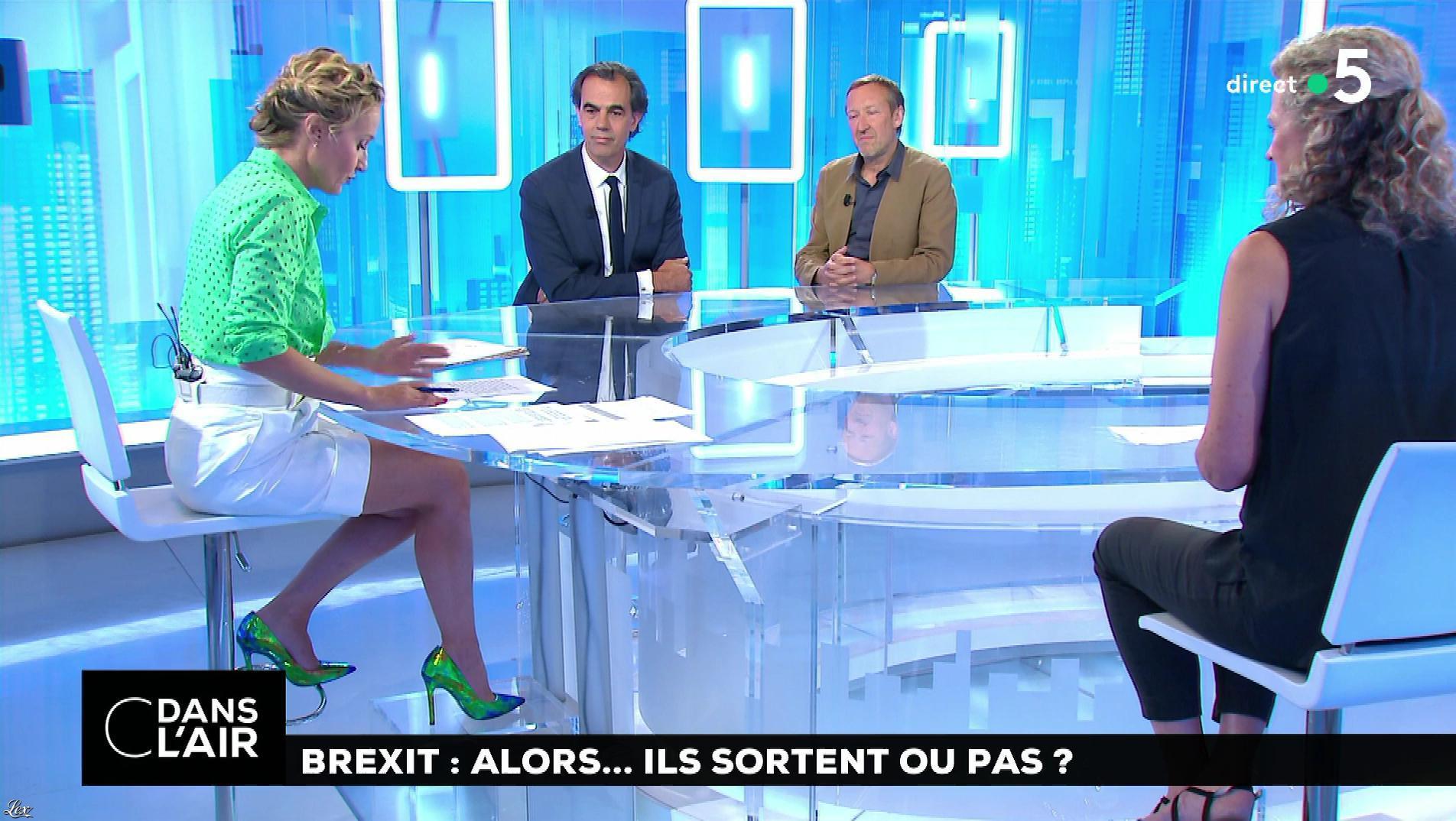 Caroline Roux dans C dans l'Air. Diffusé à la télévision le 12/07/18.