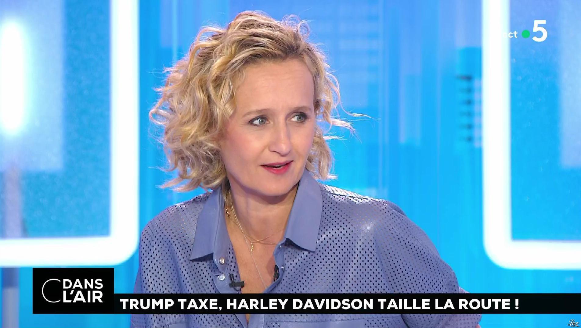 Caroline Roux dans C dans l'Air. Diffusé à la télévision le 27/06/18.