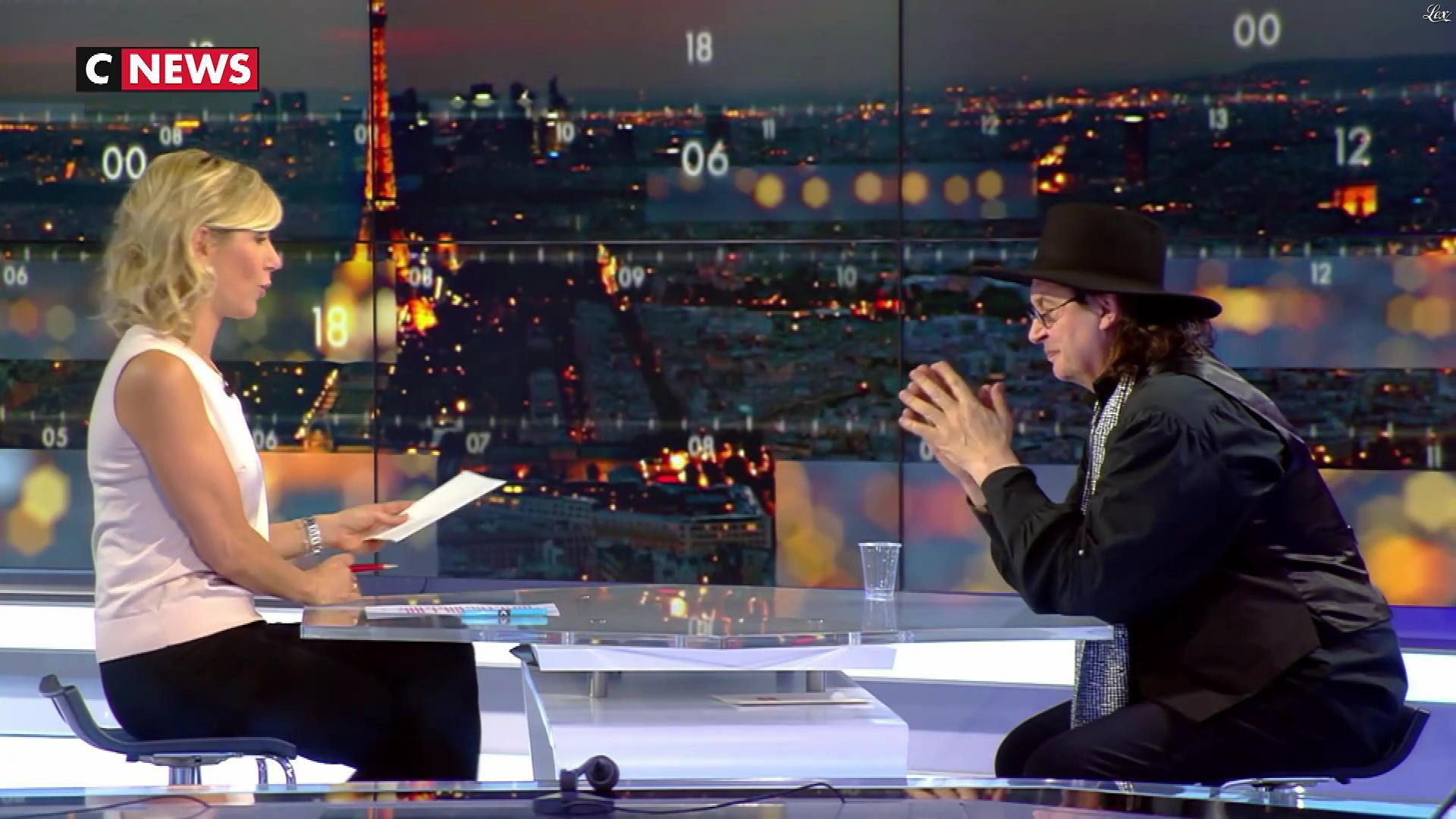 Laurence Ferrari dans la Playlist. Diffusé à la télévision le 10/02/18.