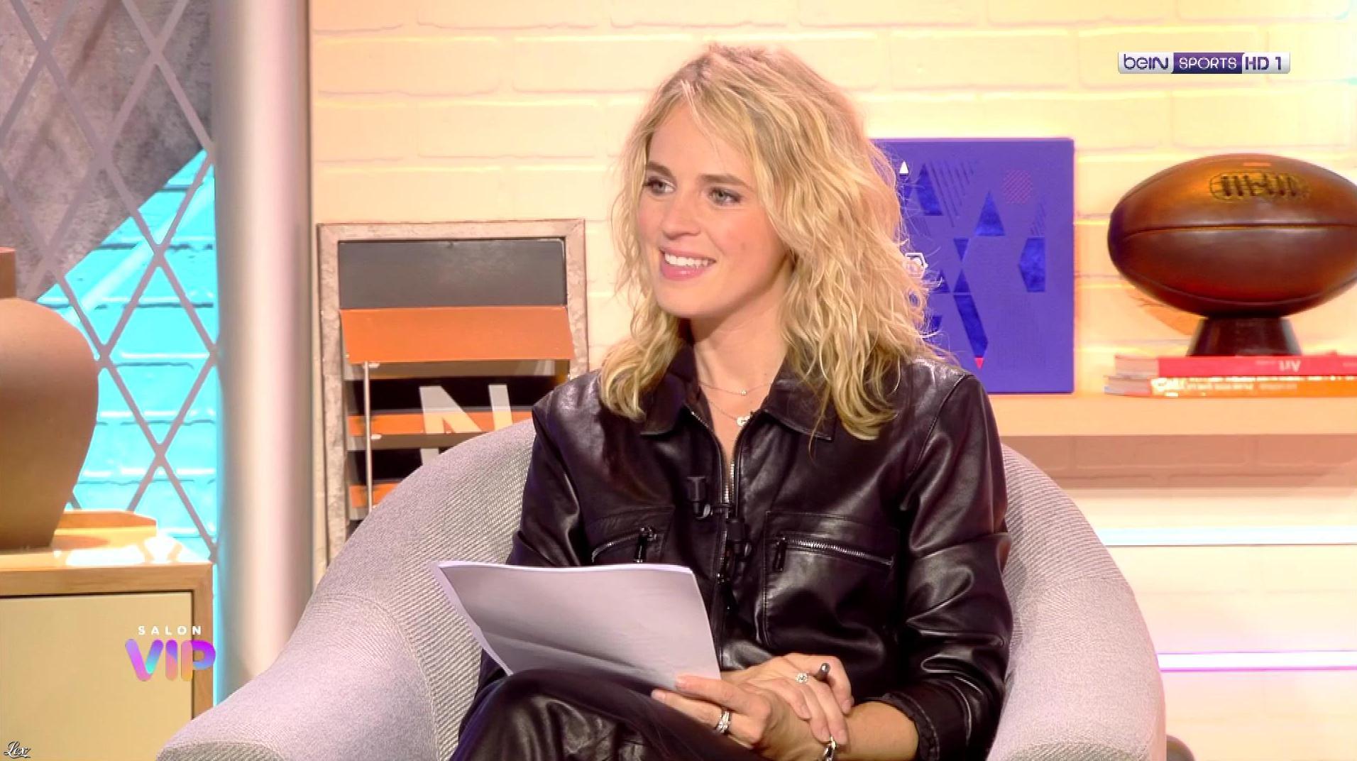 Claire Arnoux dans Salon VIP. Diffusé à la télévision le 08/09/20.