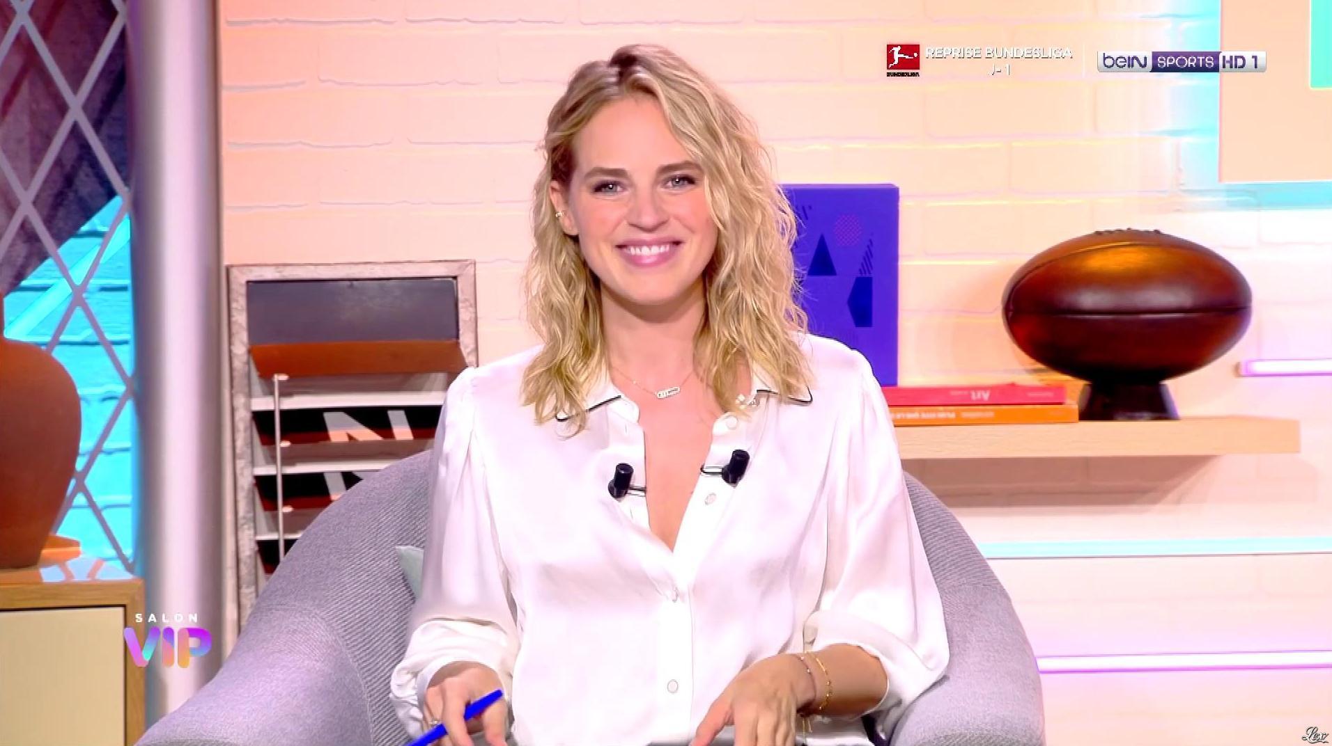 Claire Arnoux dans Salon VIP. Diffusé à la télévision le 17/09/20.