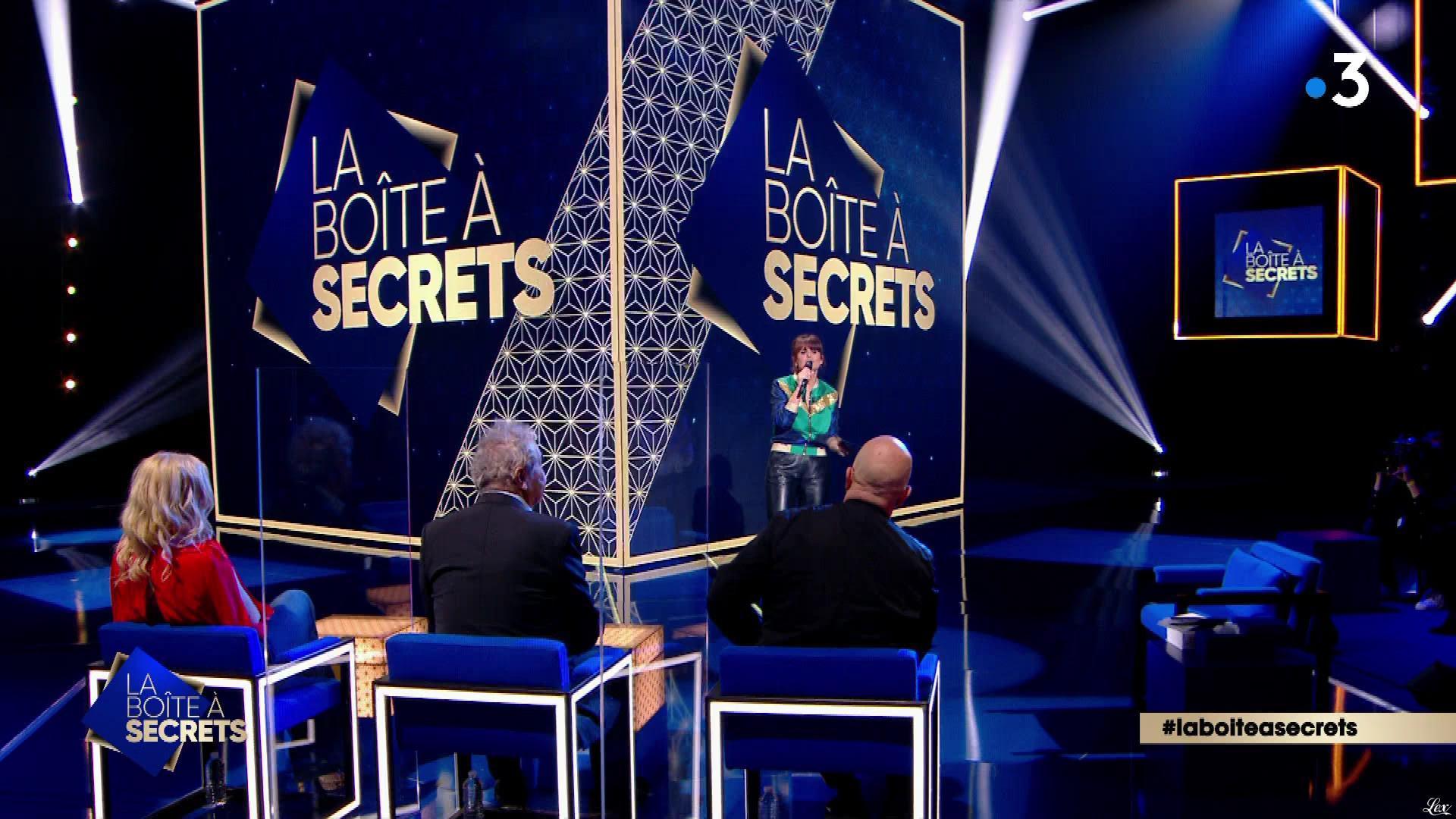 Faustine Bollaert dans la Boite à Secrets. Diffusé à la télévision le 09/09/21.